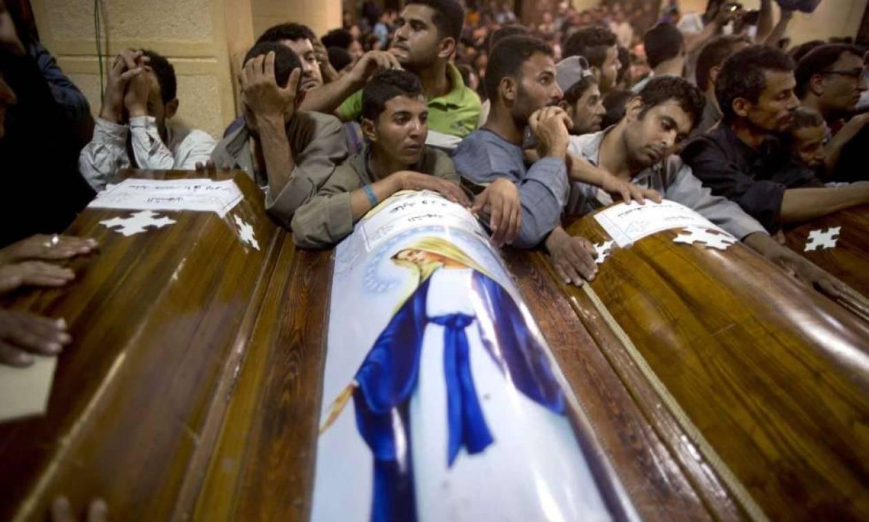 Αίγυπτος: Το Ισλαμικό Κράτος πίσω από τη σφαγή των Χριστιανών Κοπτών