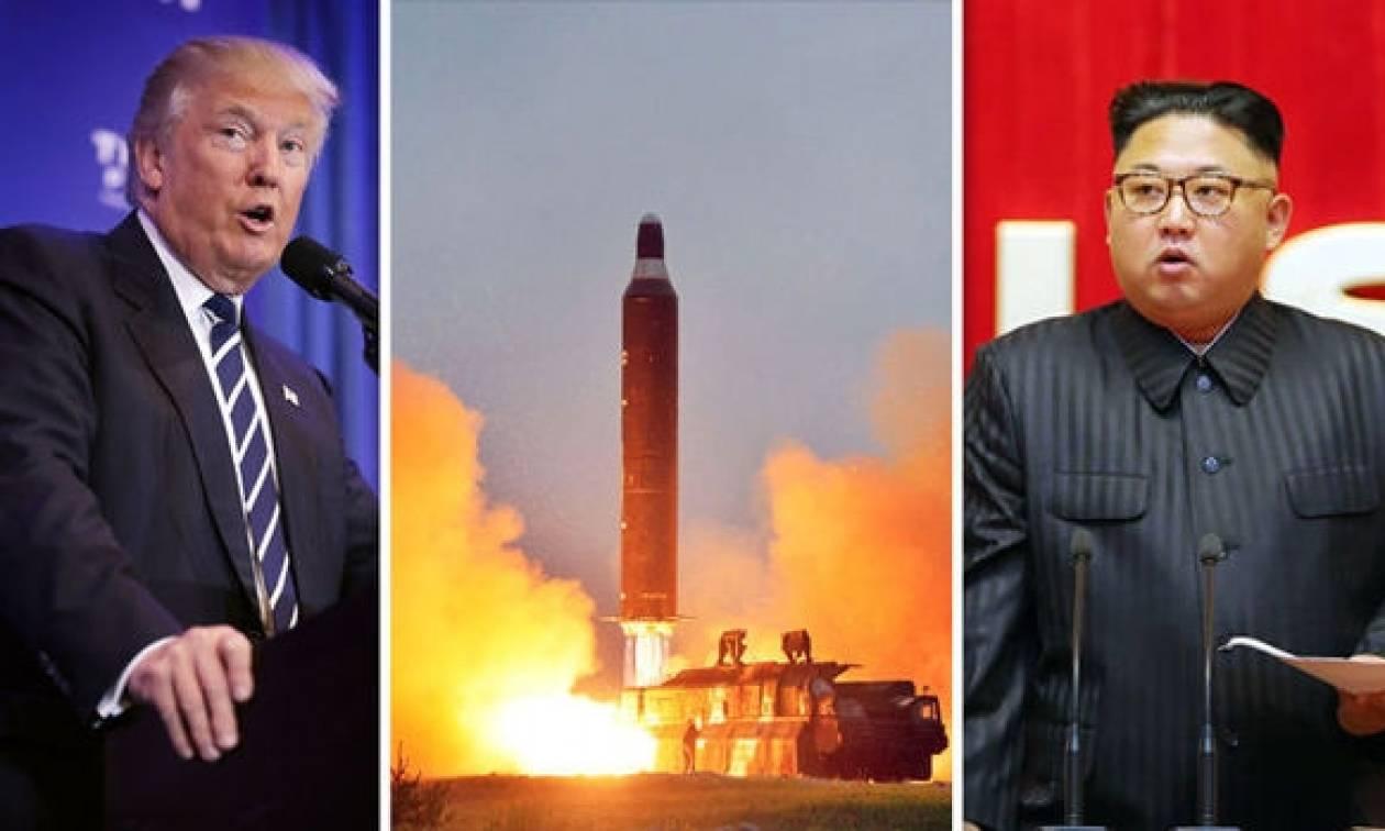 Ο Ντόναλντ Τραμπ ενημερώθηκε για τον πύραυλο που εκτόξευσε η Βόρεια Κορέα