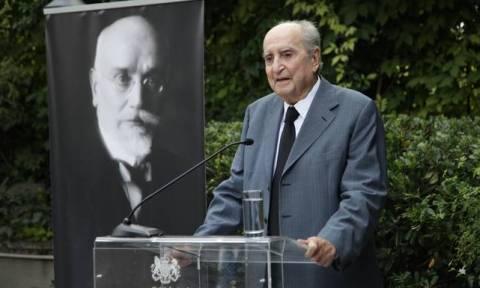 В Греции на 99 году жизни скончался бывший премьер-министр Константинос Мицотакис