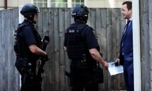 Αντιτρομοκρατικός συναγερμός: Νέα έφοδος της αστυνομίας και σύλληψη για το μακελειό στο Μάντσεστερ