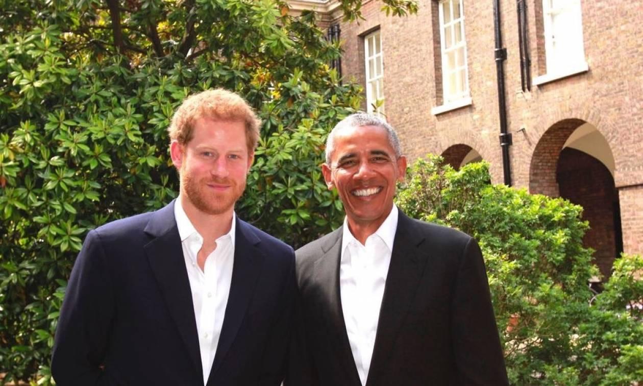 Όταν ο πρίγκιπας Χάρι συνάντησε... τον Μπαράκ Ομπάμα