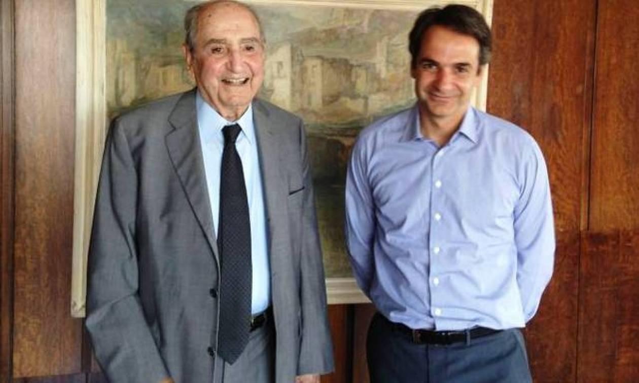 Κωνσταντίνος Μητσοτάκης: Δείτε τη συγκινητική φωτογραφία που «ανέβασε» ο Κυριάκος