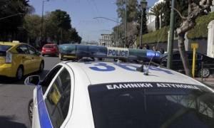 Θρίλερ με κρατούμενο στη Θεσσαλονίκη - Άρπαξε όπλο αστυνομικού και αυτοπυροβολήθηκε