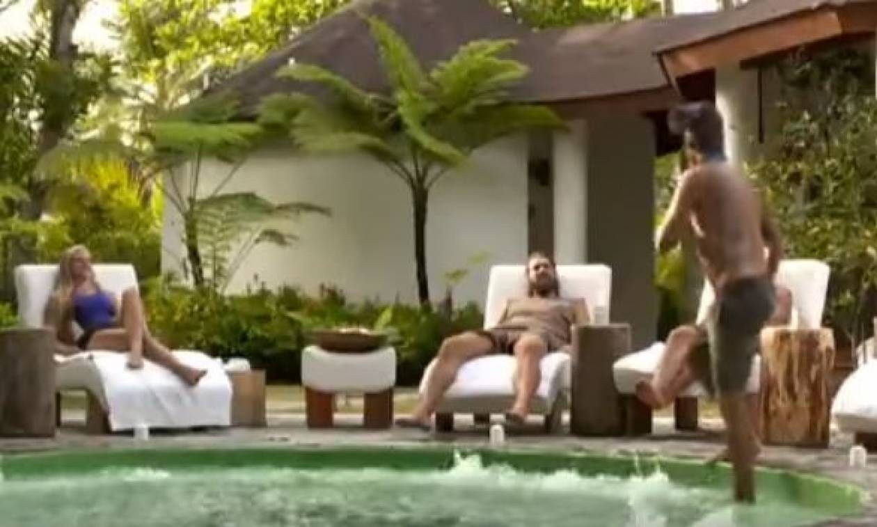 Survivor: Οταν οι Μαχητές κάνουν... τζακούζι, οι Διάσημοι σπάνε καρύδες (video)