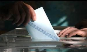 Νέα δημοσκόπηση: Βυθίζεται η κυβέρνηση - «Βλέπει» αυτοδυναμία η ΝΔ