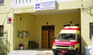 ΠΟΕΔΗΝ: Κέντρα Υγείας που κλείνουν το μεσημέρι και ασθενοφόρα με ένα εκατ. χλμ - Αυτή είναι η ΠΦΥ