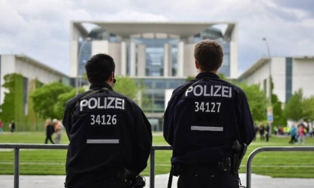 Γερμανία: Συνελήφθη 17χρονος που σχεδίαζε επίθεση αυτοκτονίας στο Βερολίνο