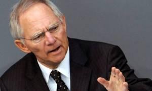 Πυρά Σόιμπλε κατά ΔΝΤ: Θέλουν ανάπτυξη 1% - Έτσι τα μνημόνια είναι μάταια