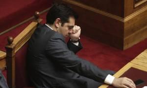 Διαπραγμάτευση: Όλα στον «αέρα» για το χρέος, με την πλάτη στον τοίχο ο Τσίπρας