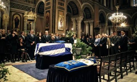 В Греции прощаются с Константиносом Мицотакисом