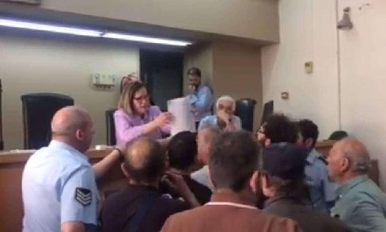 Πλειστηριασμοί Θεσσαλονίκη: Αποχώρησε η πρόεδρος των συμβολαιογράφων λόγω της απειλής βόμβας