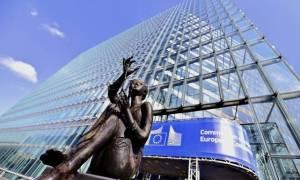 Στη γραμμή Σόιμπλε η Κομισιόν - Θέλει δημιουργία Ευρωπαϊκού Νομισματικού Ταμείου