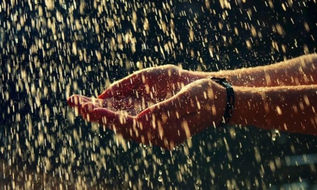 Καιρός ΕΜΥ: Με βροχές και… 30άρια μπαίνει ο Ιούνιος!