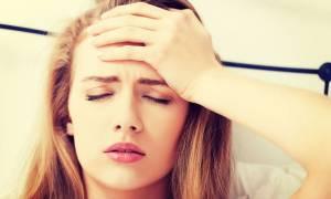 Πρωινός πονοκέφαλος: Πού μπορεί να οφείλεται και τι πρέπει να κάνετε