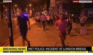 Τρομοκρατικές επιθέσεις Λονδίνο: Τουλάχιστον ένας νεκρός και 20 τραυματίες