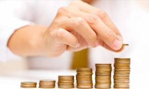 Αγίου Πνεύματος: Πόσα χρήματα θα πάρετε αν δουλέψετε την ημέρα της αργίας