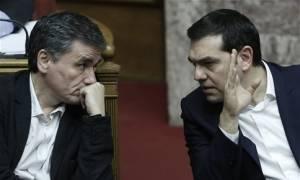 Τσίπρας και Τσακαλώτος ενώπιον της Πολιτικής Γραμματείας του ΣΥΡΙΖΑ