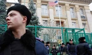 Συναγερμός στην Ουκρανία: Έκρηξη στην αμερικανική πρεσβεία στο Κίεβο (Pics+Vid)