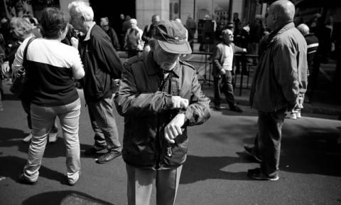 Έχουν ξεφύγει οι δανειστές – Ζητούν «πάγωμα» συντάξεων έως το 2022