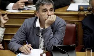 Μας τρολάρει ο Τσακαλώτος: Ας ψηφίσουμε τώρα τα μέτρα και μετά πάμε στο Ευρωπαϊκό Δικαστήριο