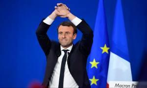 Εκλογές Γαλλία: «Σάρωσε» ο Εμανουέλ Μακρόν στον πρώτο γύρο