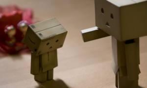 Η τιμωρία ενός ρομπότ: «Δεν πρέπει να κυνηγώ ανθρώπους» (Vid)