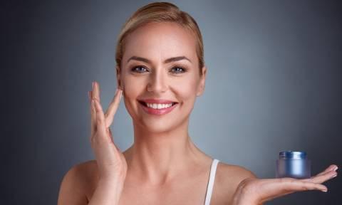 Ρυτίδες: Πως να διαλέξετε τα κατάλληλα καλλυντικά
