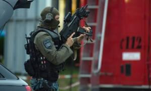 Συναγερμός στη Γερμανία: Πυροβόλησαν αστυνομικό στο κεφάλι σε σταθμό τραίνων κοντά στο Μόναχο