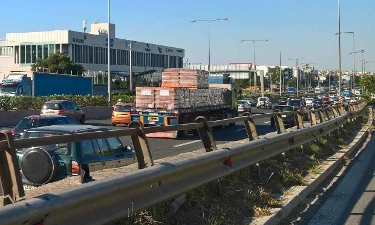 Κυκλοφοριακό χάος ΤΩΡΑ στους δρόμους της Αθήνας – Ποια σημεία να αποφύγετε