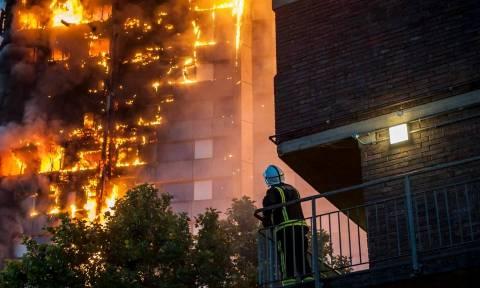 Λονδίνο: Αυτές είναι οι πρώτες εικόνες μέσα από το πύρινο «φέρετρο» του Grenfell Tower