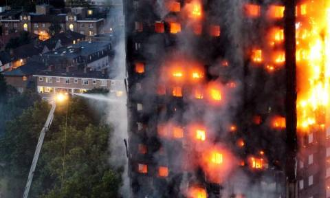 Φωτιά Λονδίνο: Μάνα-ηρωίδα έσωσε την οικογένειά της πλημμυρίζοντας το διαμέρισμά τους!