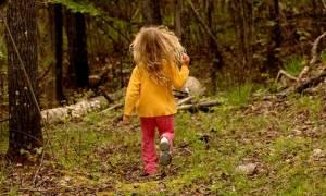 Συναγερμός στο Λασίθι: 4χρονο κοριτσάκι περιπλανιόταν μόνο του σε χωράφια
