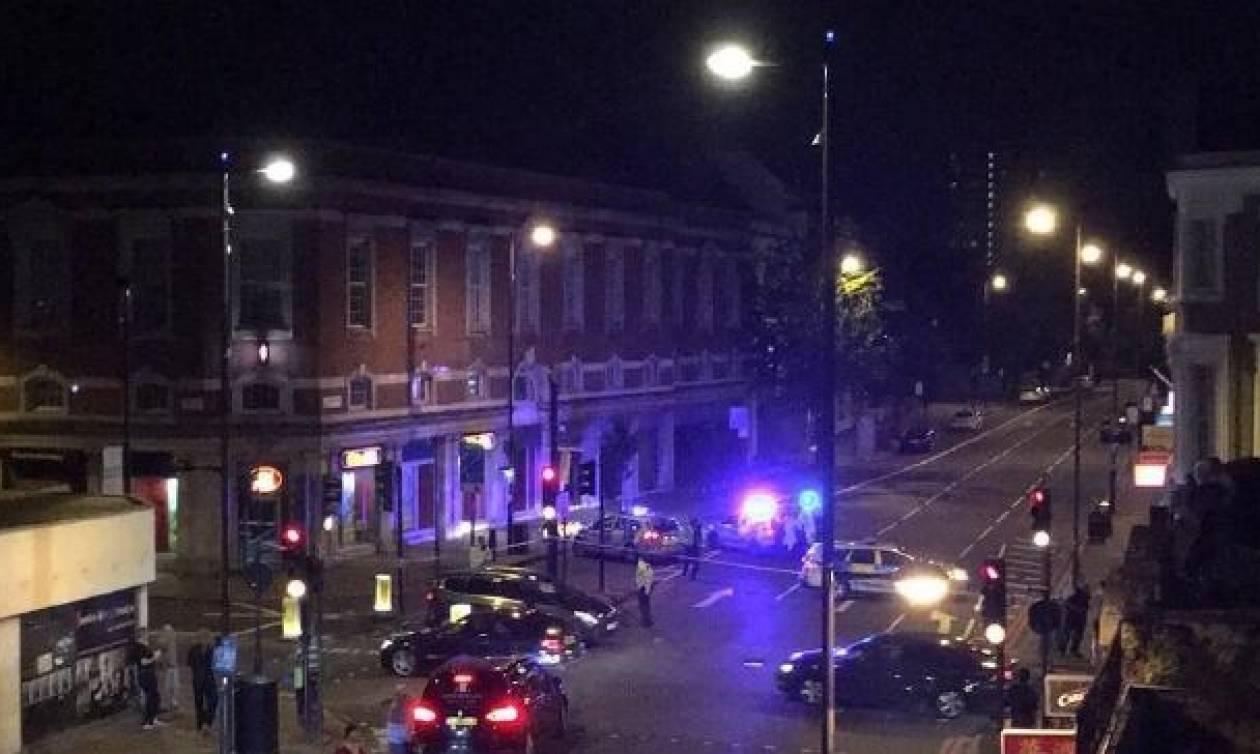 ΕΚΤΑΚΤΟ: Βαν έπεσε πάνω σε πεζούς στο Λονδίνο - Πληροφορίες για νεκρούς (pics+vids)