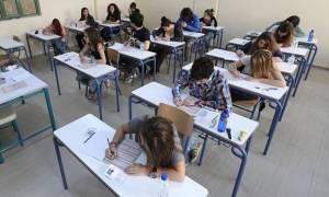 Πανελλήνιες Πανελλαδικές 2017: «Αυλαία» στα ΓΕΛ με Μαθηματικά και Ιστορία Γενικής Παιδείας