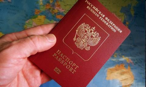15% россиян подумывают об эмиграции, выяснили социологи