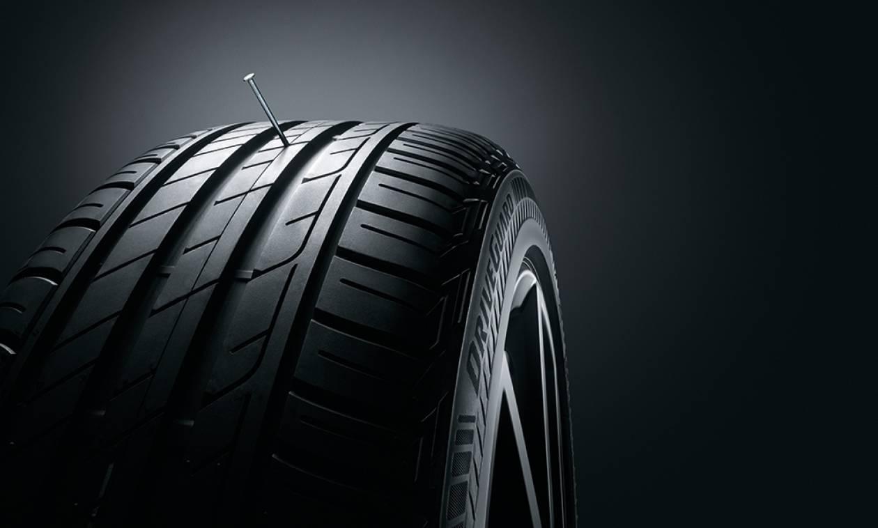 Ρεζέρβα τέλος! Το νέο ελαστικό της Bridgestone υπόσχεται 80 επιπλέον χιλιόμετρα ακόμα κι αν κλατάρει