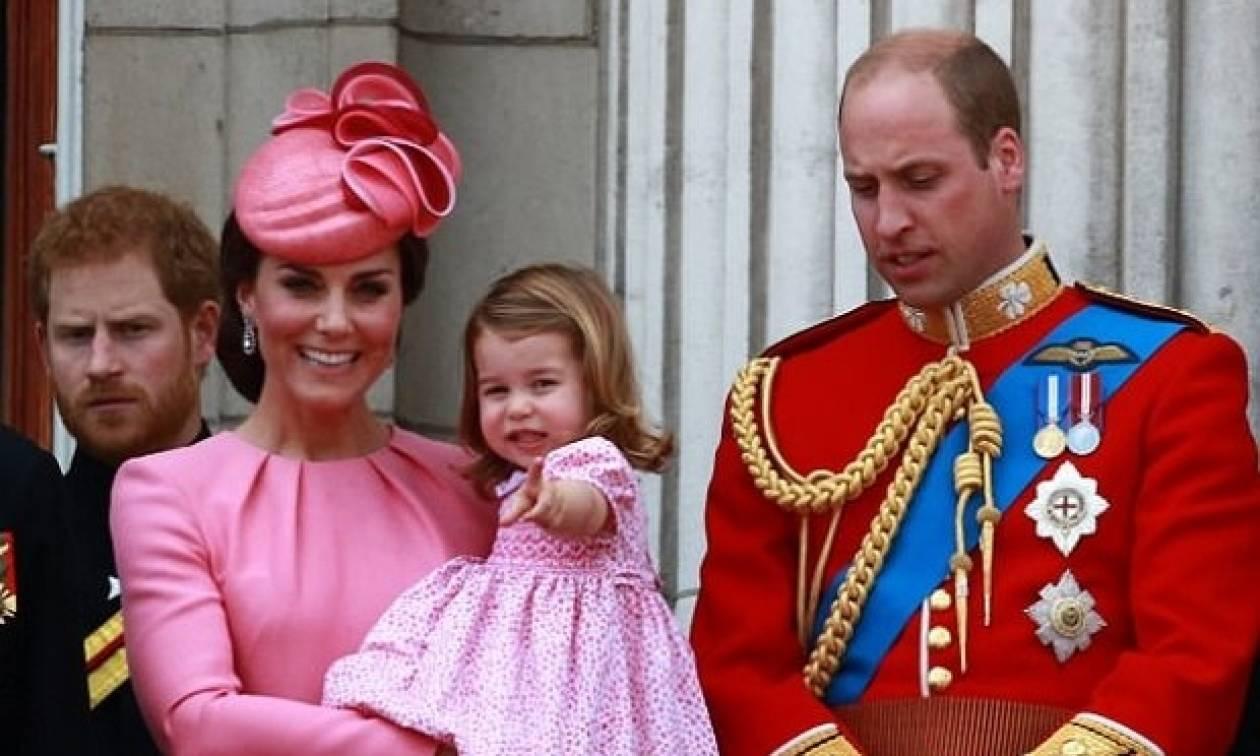 Ποια η Ελισάβετ; Ο πρίγκιπας George και και η Charlotte έκλεψαν για μία ακόμη φορά την παράσταση