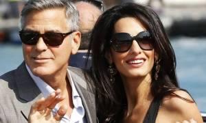 Η δύσκολη γέννα της Amal και η ευτυχία του Clooney