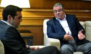 Στο Μαξίμου ο Δημήτρης Κουτσούμπας - Συναντάται με τον Τσίπρα (pics)
