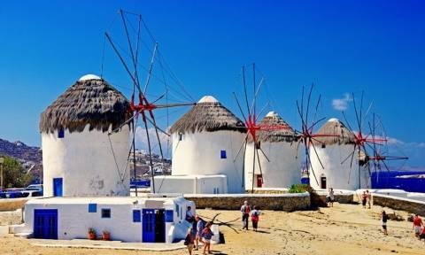 Γιατί φέτος το καλοκαίρι όλοι οι Λατινοαμερικανοί θα έρθουν στην Μύκονο;