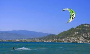 Νάξος: Στην εντατική η 29χρονη που τραυματίστηκε σοβαρά ενώ έκανε kitesurf