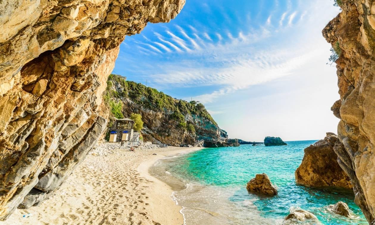Η λίστα με τις 15 πιο μάχιμες παραλίες στην Ελλάδα!