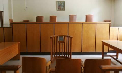 Καταδίκη σε επτά άτομα για τα επεισόδια στα κρατητήρια της Διεύθυνσης Ασφάλειας Θεσσαλονίκης