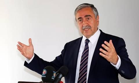 Κυπριακό: Τηλεφωνική συνομιλία του Αμερικανού αντιπροέδρου με τον Μουσταφά Ακιντζί