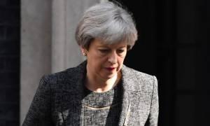 Τερέζα Μέι: Η Βρετανία δεν θα εξαναγκάσει κανέναν Ευρωπαίο να φύγει μετά το Brexit