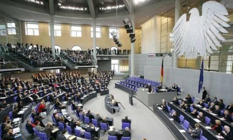 Γερμανοί βουλευτές: «H Ελλάδα δικαιούται ελάφρυνση του χρέους»