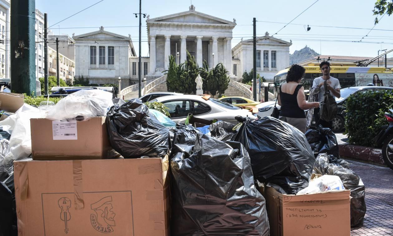 Μία απέραντη χωματερή η Αθήνα: Τα σκουπίδια πνίγουν την πρωτεύουσα!
