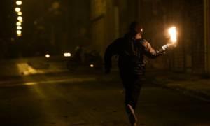 Ακόμα μια νύχτα με βόμβες μολότοφ και προσαγωγές στα Εξάρχεια