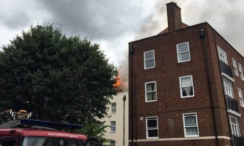 Υπό πλήρη έλεγχο η φωτιά σε κτήριο στο Λονδίνο (pics)