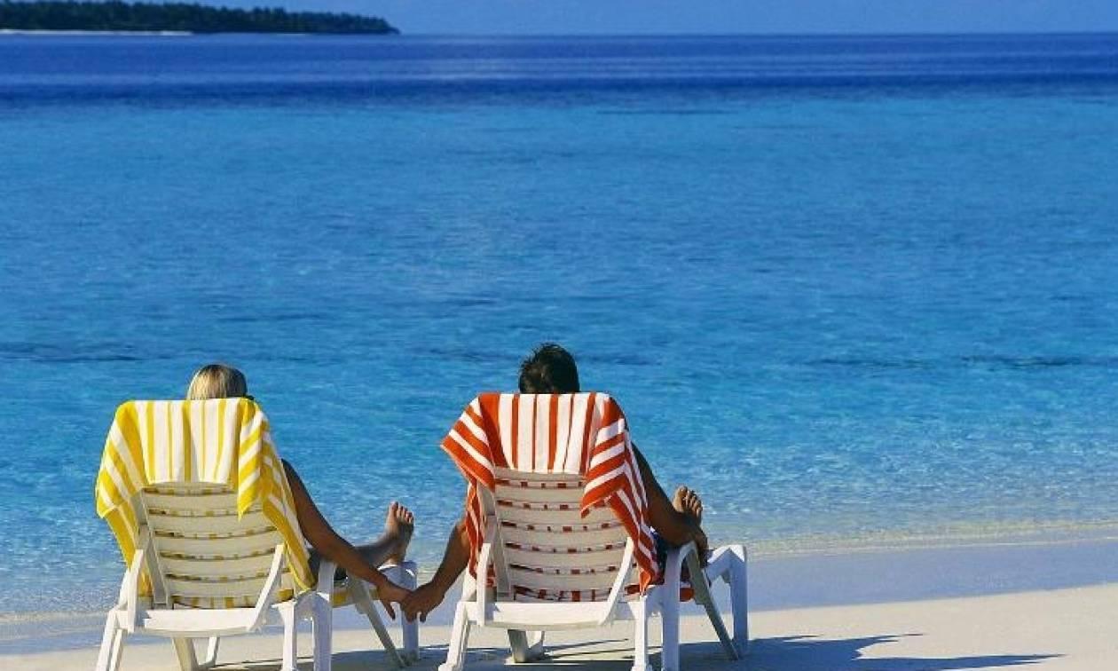 Κοινωνικός τουρισμός: Αυτοί δικαιούνται δωρεάν διακοπές, δωρεάν βιβλία και θεατρικά εισιτήρια!